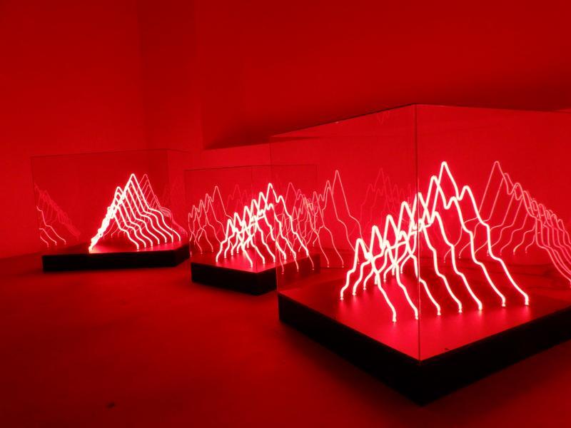 Nikos Kazogloy Leptomereia Egkatastasis Neon Kai Plexyglass 50 X 50 X 50 Ek